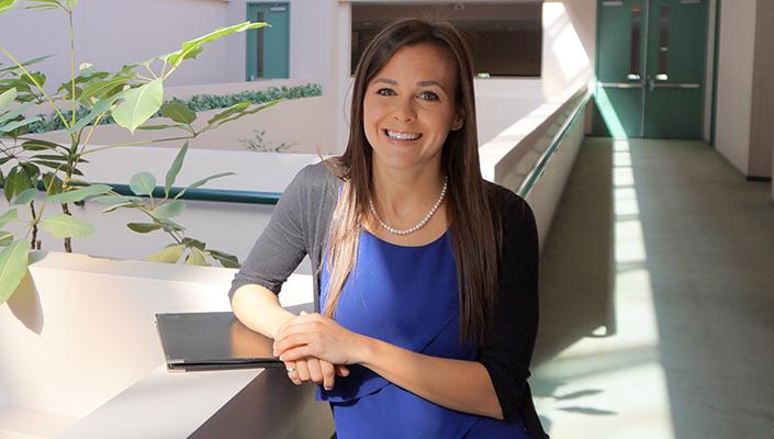 Photo of alumna Holly Johnson