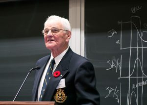 U of T Engineering alumnus Dr. William (Bill) Winegard addresses an audience at the Winegard Visiting Lectureship in New Materials Engineering. (Courtesy: MSE).