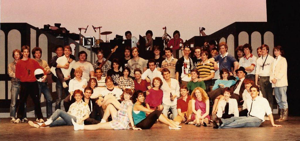 Cast & Crew SN 8T5